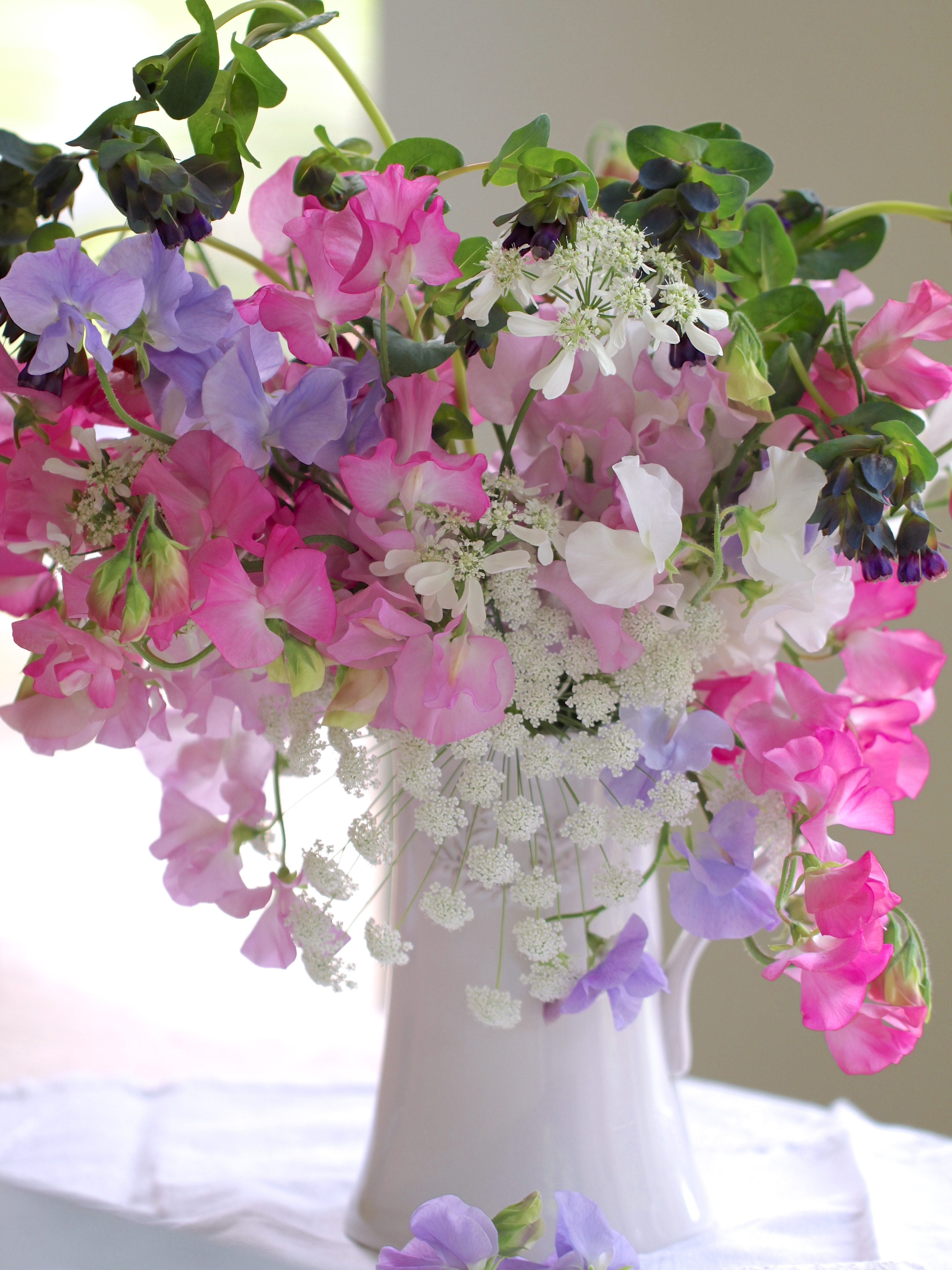 In a vase on monday a sweet pea symphonyindulging floral passions sweet pea vase arrangement reviewsmspy